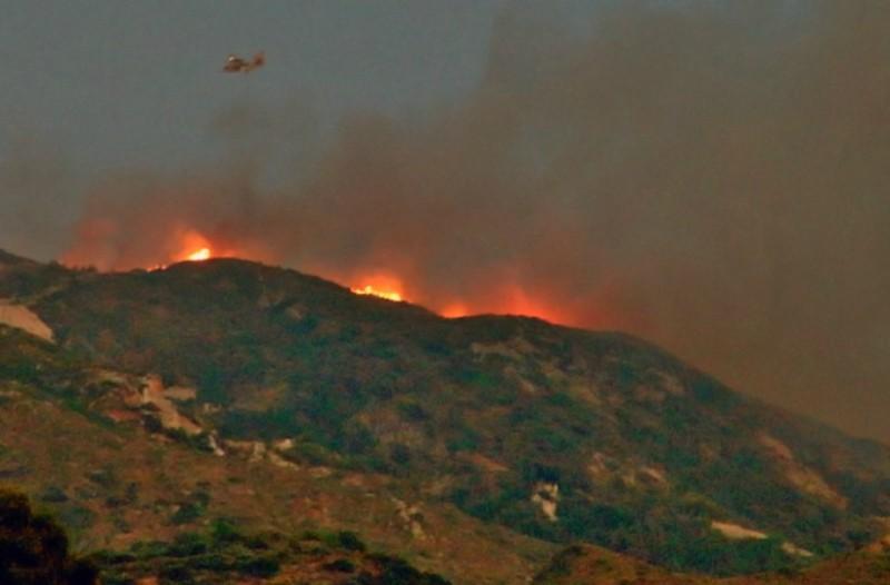 Ζάκυνθος: Νέα εστία πυρκαγιάς σε δασική έκταση του νησιού!