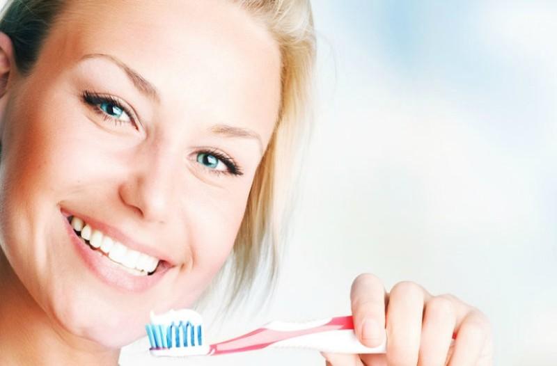 Βούρτσισμα δοντιών: Υπάρχει ένα σημείο που σίγουρα ξεχνάς!