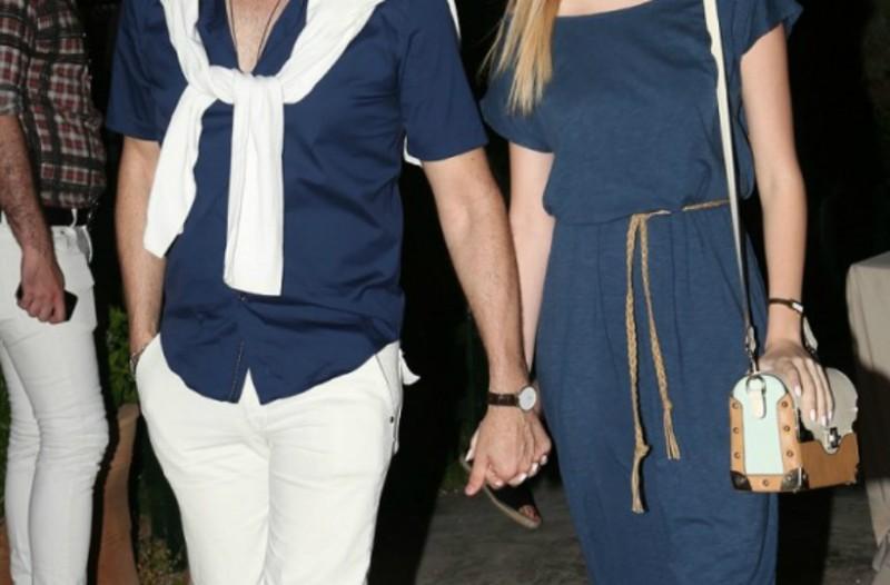 Αγαπημένο ζευγάρι της ελληνικής showbiz αποφάσισε να συγκατοικήσει ύστερα από τρία χρόνια σχέσης! Δείτε ποιοι είναι (Photo)