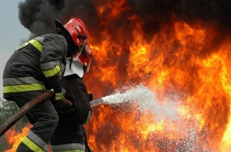 Κρήτη: Πραγματική μάχη με τις φλόγες έδωσαν οι πυροσβέστες - Υπό μερικό έλεγχο η μεγάλη φωτιά