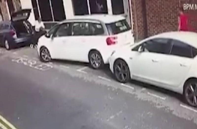 Επικό βίντεο: Κι όμως αυτό είναι το χειρότερο παρκάρισμα που έχει γίνει ποτέ!
