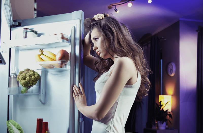 Ιδανικά για τις λιγούρες: Σνακ που μπορείς να φας το βράδυ και να αδυνατίσεις!