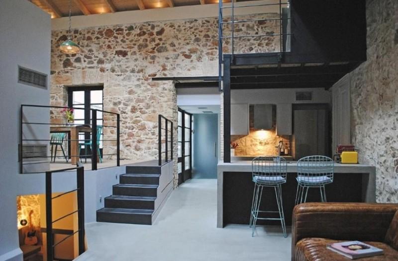 Εντυπωσιακές εικόνες: Το νεοκλασικό του Κάρολου Κουν στα Εξάρχεια που μετατράπηκε σε ένα υπέροχο σπίτι! (Photo)