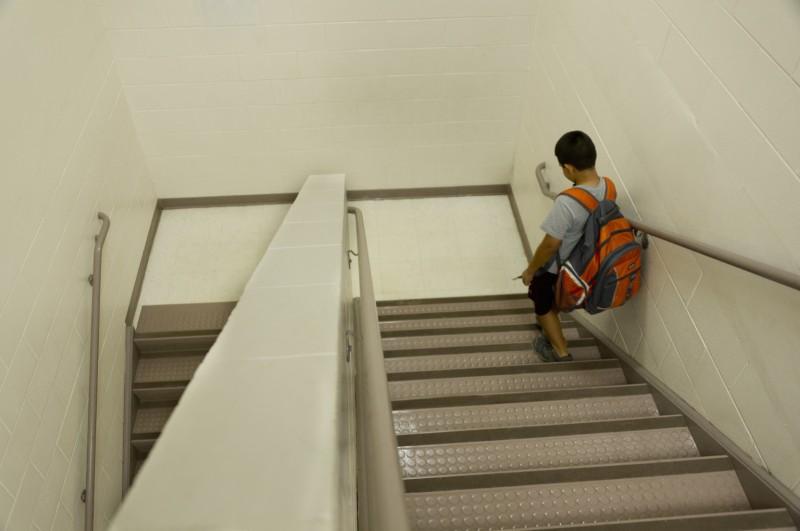 Μητέρα και δασκάλα πιάστηκαν στα χέρια: Απίστευτο περιστατικό σε μεγάλο σχολείο της χώρας!