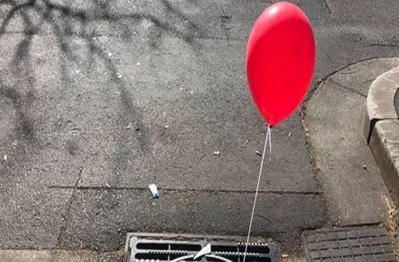 Απίστευτο: Το Σίδνεϋ γέμισε ξαφνικά με κόκκινα μπαλόνια! - Ο λόγος είναι ανατριχιαστικός! (Photo)