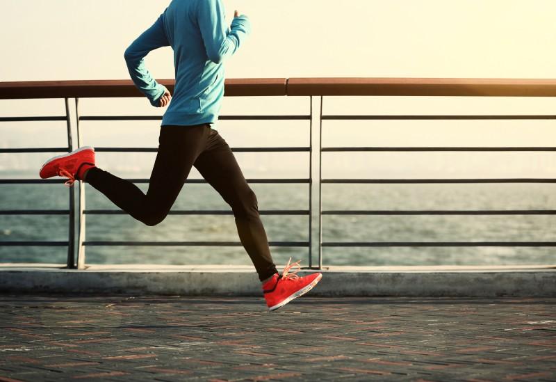 Το περπάτημα μπορεί να κάνει τόσο καλό όσο και το γυμναστήριο: Δείτε το πώς!