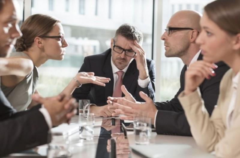 Εύκολες και έξυπνες συμβουλές για να αντιμετωπίσετε τους ενοχλητικούς συναδέλφους!