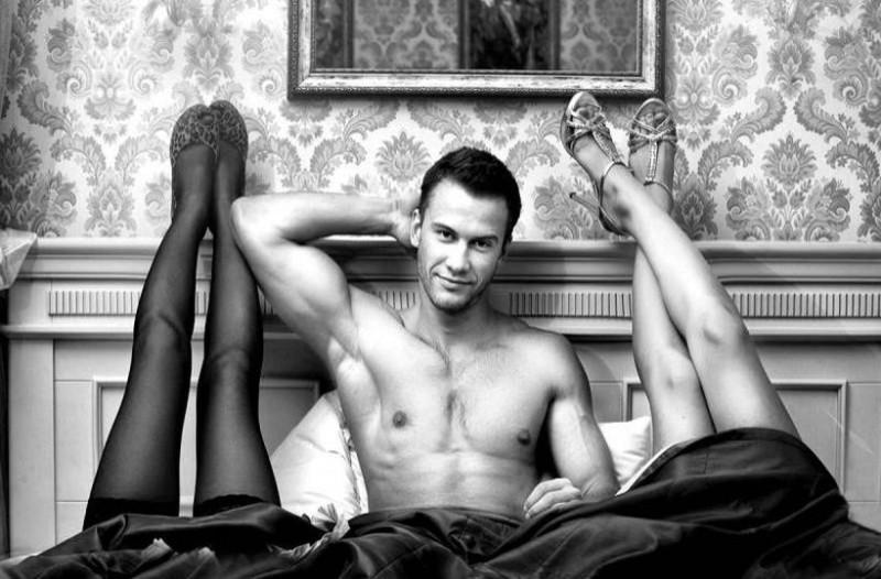 Σεξ: Οι ιδανικές στάσεις για τρίο στο κρεβάτι! (photos)