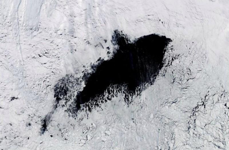 Τρύπα-μυστήριο μεγαλύτερη και από την μισή Ελλάδα εντοπίστηκε στην Ανταρκτική!
