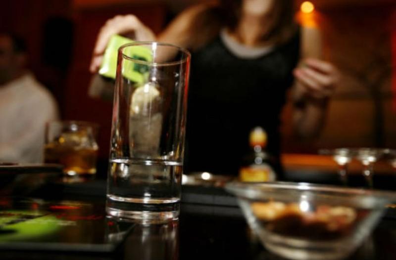 Βόμβα: Ποτά μπόμπες και αναβολικά σε γνωστό μπαρ στο Γκάζι!
