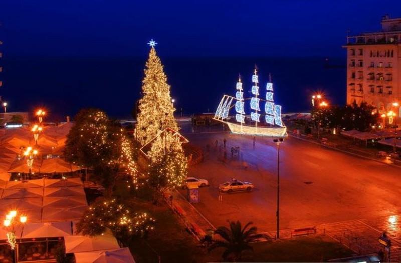 Πάμε καλά; Αρχές Οκτώβρη και στην Θεσσαλονίκη στόλισαν για τα Χριστούγεννα! (photo)