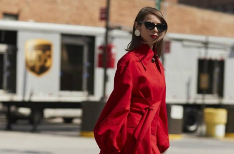 Κόκκινο  5 τρόποι να φορέσεις το χρώμα της σεζόν! - Γυναίκα - Athens ... 5de1226b2f9