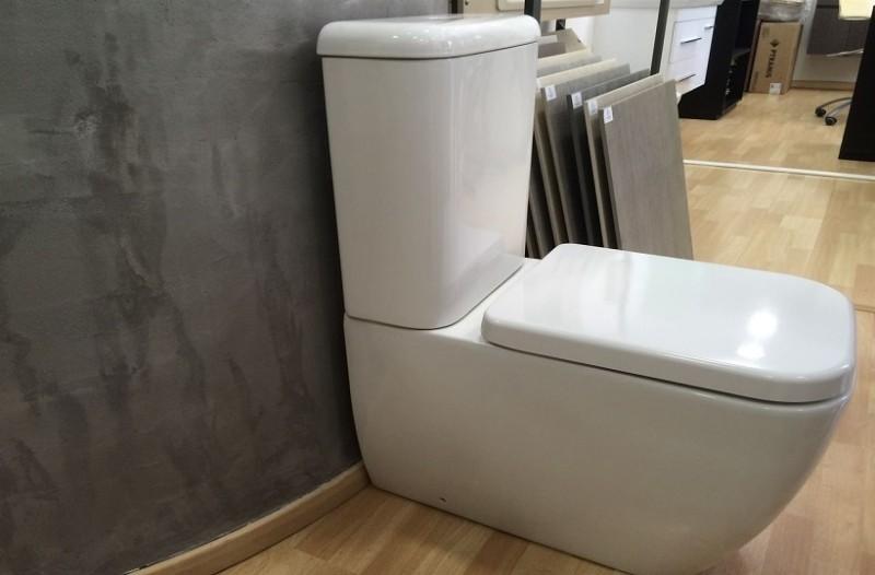 Θα εκπλαγείτε: Αυτό θα συμβεί εάν ρίξετε γιαούρτι στη λεκάνη της τουαλέτας!