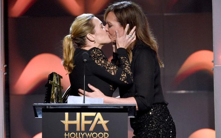 «Έπεσε» το διαδίκτυο: Πασίγνωστες ηθοποιοί φιλιούνται στο στόμα και προκαλούν «σεισμό»! (video+photos)