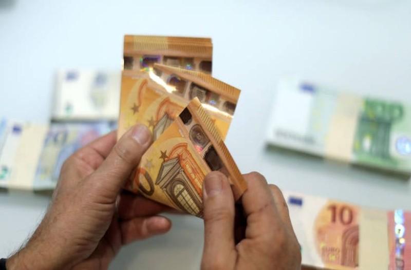 Μεγάλη ανατροπή με το κοινωνικό μέρισμα: Πότε θα μπουν τα χρήματα στους λογαριασμούς σας;