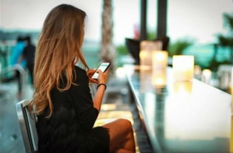Έρευνα: Πρέπει να ανταλλάσσουμε καθημερινά ερωτικά μηνύματα με τον σύντροφό μας! Μάθε γιατί!