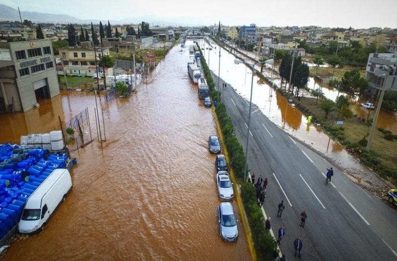 Μεγαλώνει ο αριθμός των θυμάτων από τις φονικές πλημμύρες! - Σε κατάσταση έκτακτης ανάγκης Μάνδρα, Νέα Πέραμος και Μαγούλα! (Video)