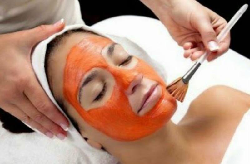 Λαμπερό πρόσωπο με μία DIY μάσκα από ροδάκινο!