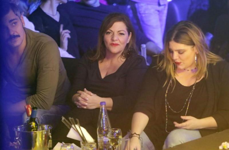 Βραδινή έξοδος  για την Βίκυ Σταυροπούλου με τον πρώην σύντροφό της και την κόρη της