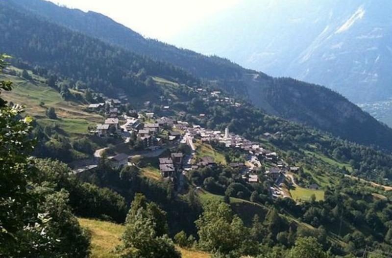 Σου βρήκαμε δουλειά. Χωριό στην Ελβετία σε πληρώνει αρκεί να μένεις εκεί μόνιμα!
