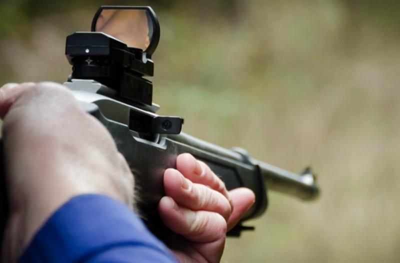 Σοκ στην Φθιώτιδα: 39χρονος πυροβόλησε γυναίκα με κυνηγετικό όπλο!