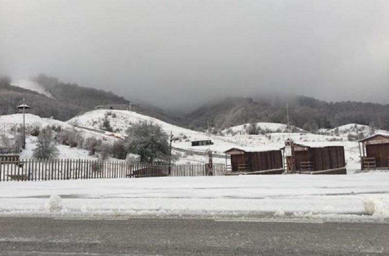 Στα λευκά «ντύθηκαν» τα ορεινά της Ηπείρου! (Photo)