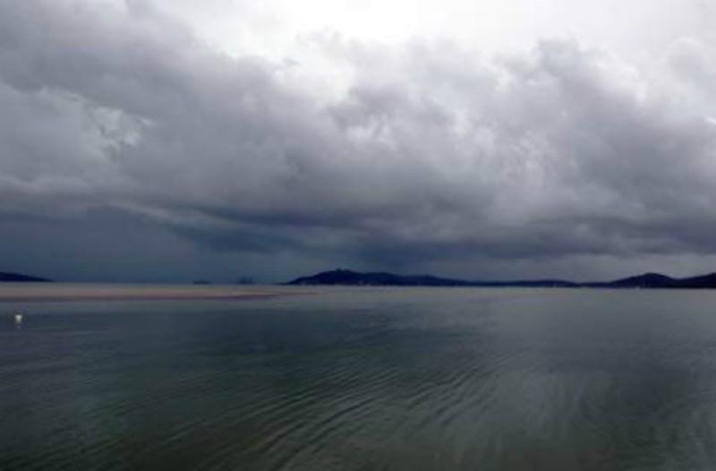 Καιρός: Αίθριος ο καιρός σήμερα – Τοπικές βροχές!