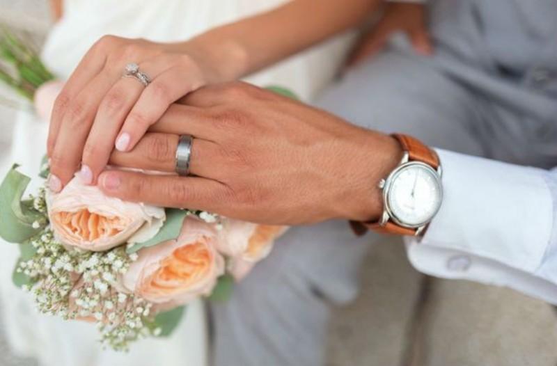 χωρισμένη αλλά όχι διαζευγμένη dating