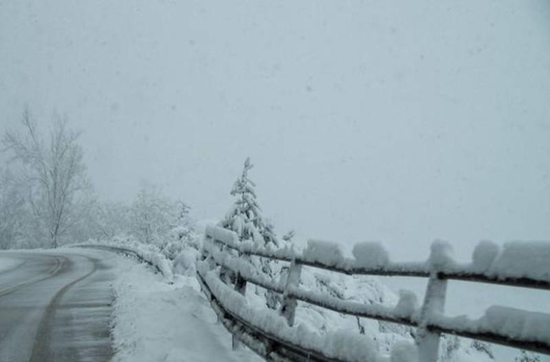 Ψυχρή εισβολή του καιρού και στην Αθήνα! Χιονίζει στην Πάρνηθα - Που θα χιονίσει τις επόμενες ώρες;
