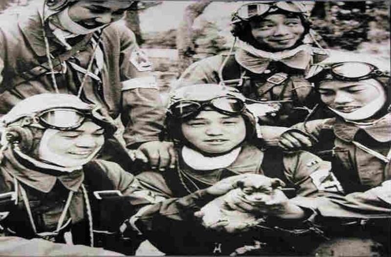 Καμικάζε: Γιατί οι Ιάπωνες πιλότοι αυτοκτονίας φορούσαν κράνη αφού θα πέθαιναν;