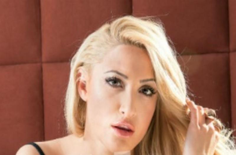 Ιωάννα Τούνη: Νέες ολόγυμνες φωτογραφίες! Το μοντέλο ξεσπά...