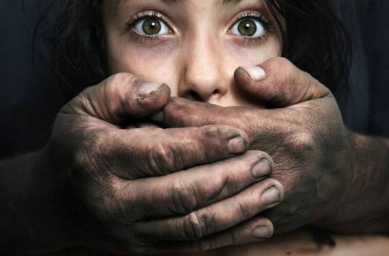 Φρίκη στον Βόλο: Την βίαζε και την ξυλοκοπούσε επί χρόνια ο σύζυγος της!