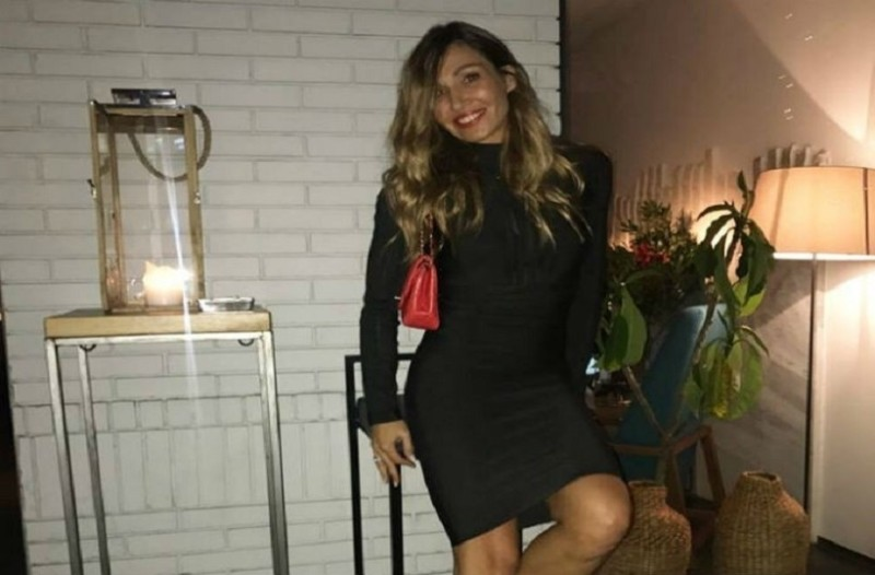 aa57f4405cfd Πως να φορέσεις σωστά το all time classic μαύρο εφαρμοστό φόρεμά σου! - Η  Ελένη