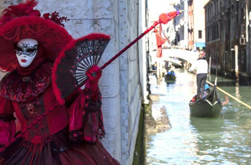 Δείτε ονειρικές εικόνες από το καρναβάλι της Βενετίας!