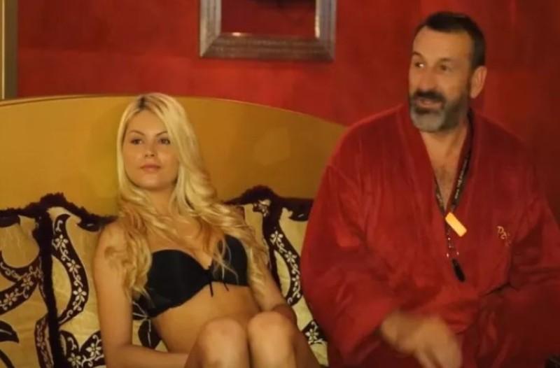 FKK: Η νέα μόδα που σαρώνει και κλείνει σπίτια! Με 100 ευρώ πίνεις, τρως και κάνεις τζακούζι με ωραίες γυναίκες! (video)