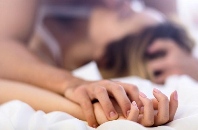 ερωτήσεις για να ρωτήσετε μια γυναίκα πριν βγει μαζί της