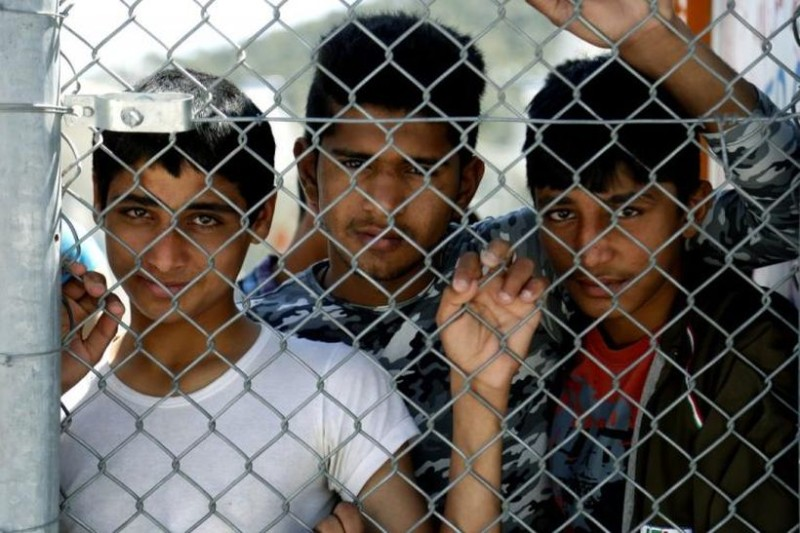 Η «σκοτεινή» πλευρά της καθημερινότητας προσφύγων που έχουν εγκλωβιστεί στην Ελλάδα!