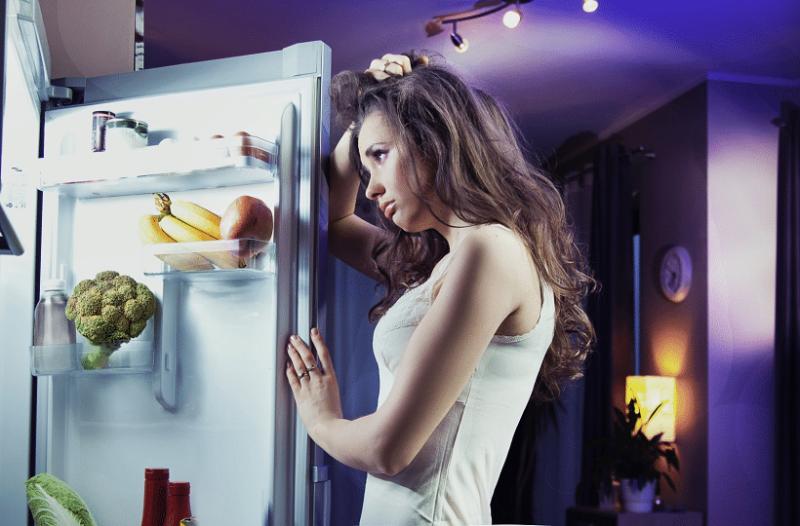Δεν θέλει κόπο αλλά τρόπο: Ποιες ώρες μέσα στην ημέρα πρέπει να τρως για να μην παχύνεις!