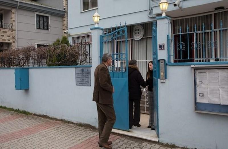 Ραγδαίες εξελίξεις στην υπόθεση των Ελλήνων στρατιωτών: Τους επισκέφτηκαν στην Τουρκία οι γονείς τους! (photos)