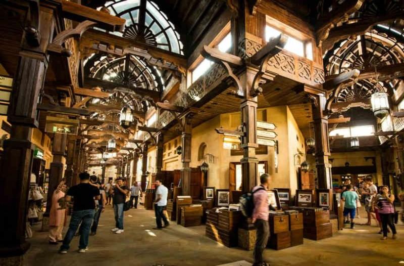 Θα «τρίβετε τα μάτια σας»: Βόλτα στην αγορά χρυσού του Ντουμπάι!