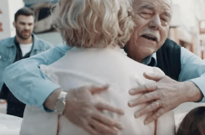 Θα ανατριχιάσετε: Το νέο video clip του Γιώργου Σαμπάνη για την νόσο του Αλτσχάιμερ που θα σας κάνει να...δακρύσετε! (video)