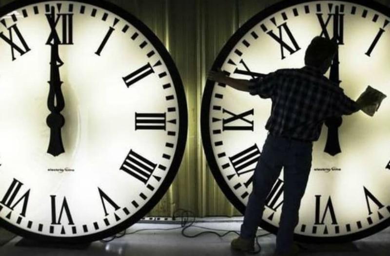 Θερινή ώρα: Αυτός είναι ο λόγος που πρέπει να διπλοτσεκάρουμε στα ρολόγια την αλλαγή της ώρας!