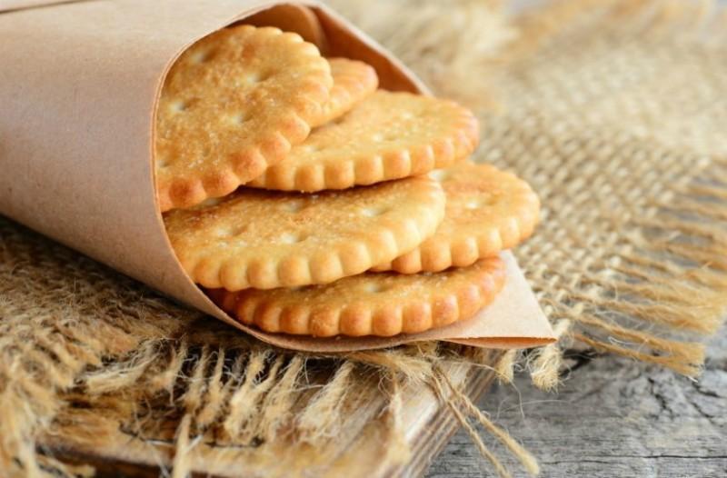 Ένα τέλειο και γρήγορο σνακ: κρακεράκια τυριού