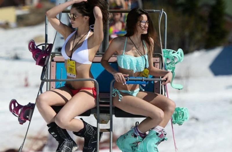 Τα κορμιά που δεν κρυώνουν ποτέ: Καλλίγραμμες γυναίκες κάνουν σκι φορώντας μόνο... το μαγιό τους! (Photos + Videos)