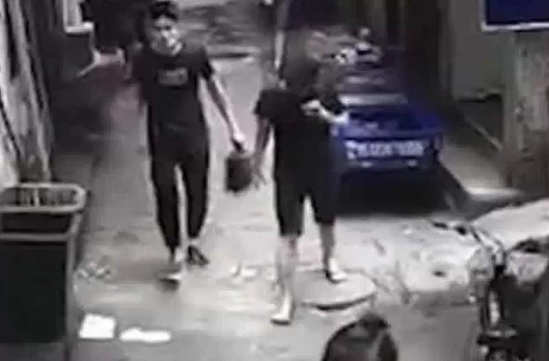 Ξύπνησαν μνήμες από το έγκλημα της Σαντορίνης: Σκότωσε την γυναίκα του και περπατούσε με το κεφάλι της στα χέρια! (video)