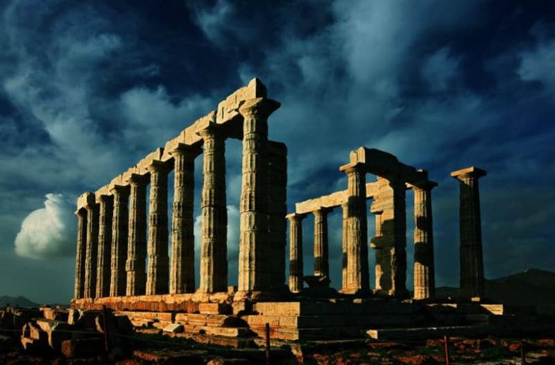 Μάθε τι γκούγκλαραν:  Αυτές είναι οι πιο συνηθισμένες αναζητήσεις ξένων στη Google για την Ελλάδα!
