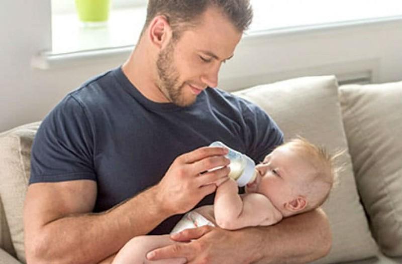 Ζώδια και σχέσεις: Το ζώδιο που μπορεί να γίνει ο ιδανικός... πατέρας!