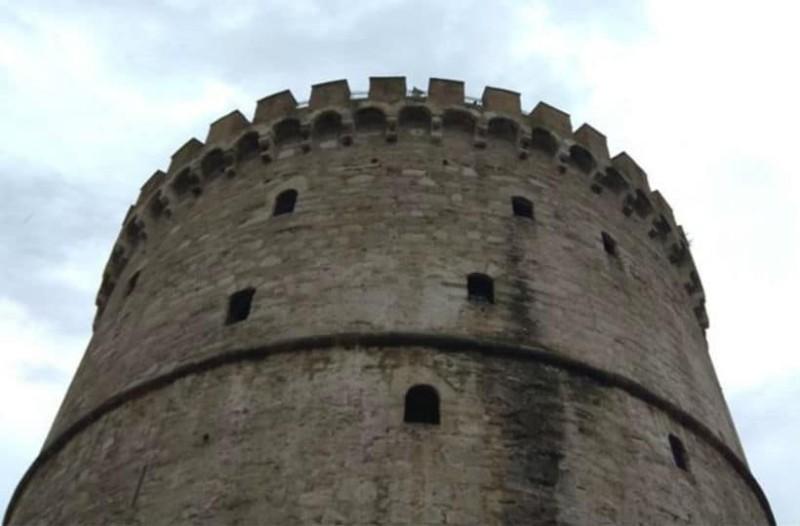 «Πνίγηκε» η Θεσσαλονίκη - Κλειστά σχολεία την Παρασκευή