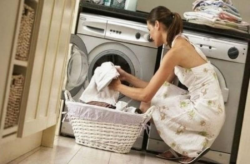 Θέλετε να διατηρήσετε τα ρούχα σας σαν καινούργια; - Ένα εύκολο κόλπο που θα σας λύσει τα χέρια!
