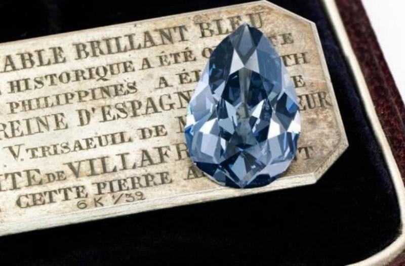 Δεν θα το πιστεύετε! Πόσο πουλήθηκε το διαμάντι Μπλε Φαρνέζε; (photo & video)